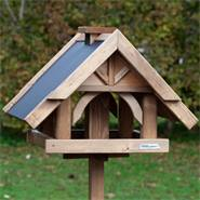 «Herte» de VOSS.garden - maison pour oiseaux de qualité supérieure, avec support