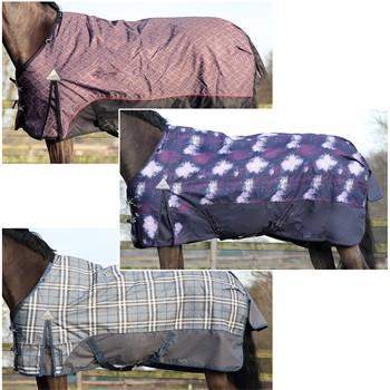 505130-1-couverture-dhiver-de-luxe-pour-chevaux-qhp-300-g-polyester-600-deniers.jpg