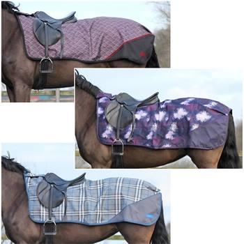 505352-1-couverture-de-promenade-de-luxe-pour-cheval-qhp-en-polaire-couvre-reins.jpg
