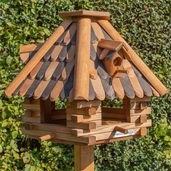930321-1-maison-pour-oiseaux-lillehus-de-voss.garden-maison-de-qualite-avec-bardeaux-avec-support.jp