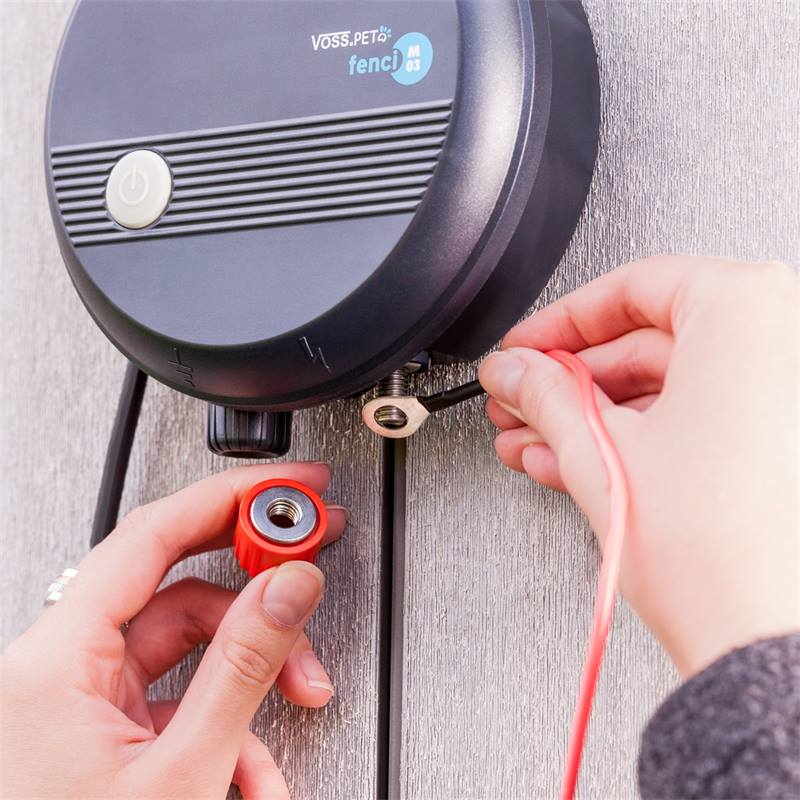 41205-10-electrificateur-de-cloture-electrique-230-v-fenci-m03-de-voss-pet-repousse-les-fouines-les-