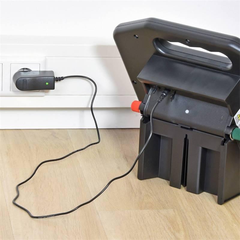 42088-5-electrificateur-solaire-de-cloture-electrique-sunny-800-de-voss-farming-avec-batterie-ultra-