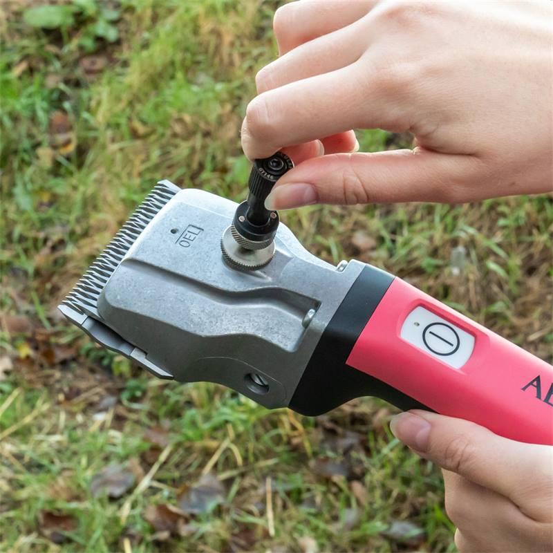 85141-12-tondeuse-pour-chevaux-bonum-daesculap-rose-2-batteries-auxiliaire-dajustage-gratuit.jpg