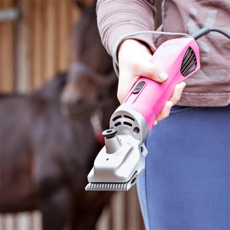 85305-10-tondeuse-pour-chevaux-proficut-de-voss-farming-rose-fluo.jpg