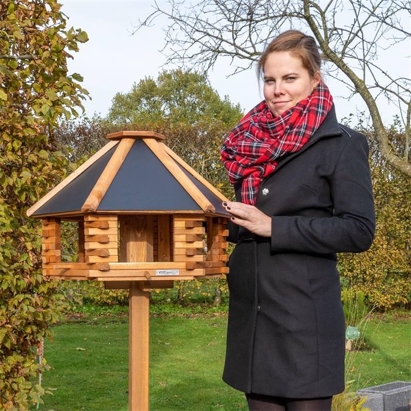 930300-3-tofta-de-voss-garden-maison-pour-oiseaux-de-qualite-superieure-en-bois-avec-toit-en-metal.j
