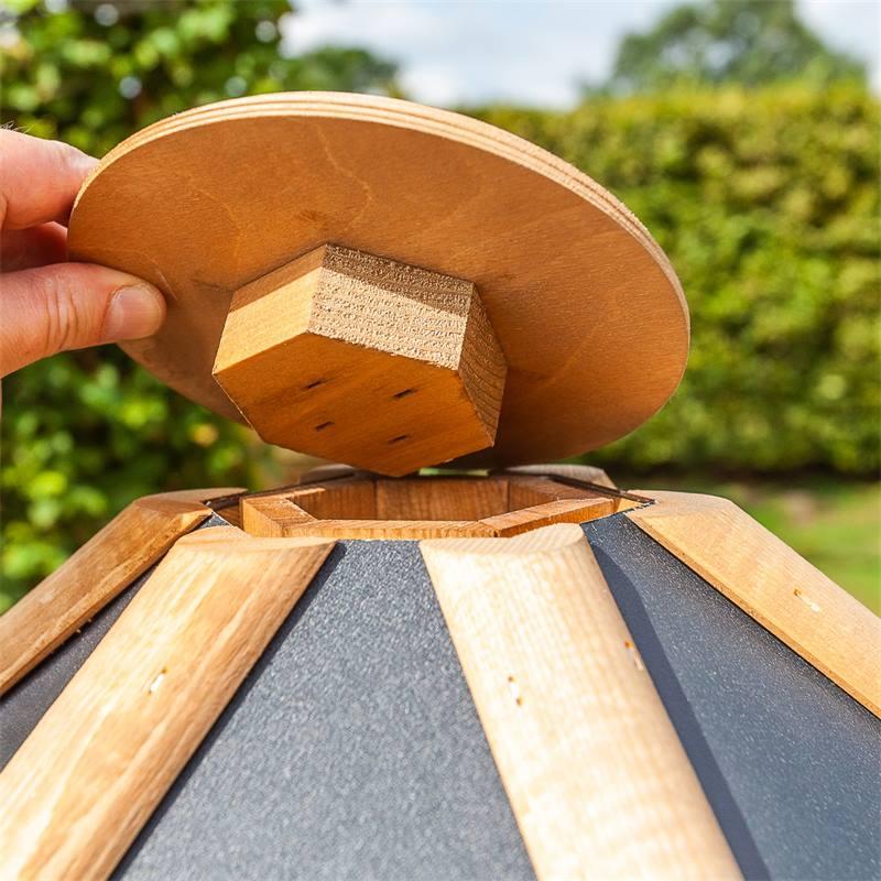 930301-5-tofta-de-voss-garden-maison-pour-oiseaux-de-qualite-superieure-en-bois-avec-toit-en-metal-a
